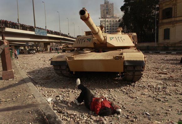 http://www.worldculturepictorial.com/images/content_2/2011-egypt-protester-tank.jpg