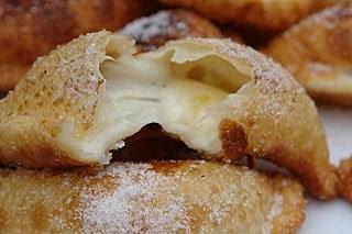 Empanadas fritas con queso