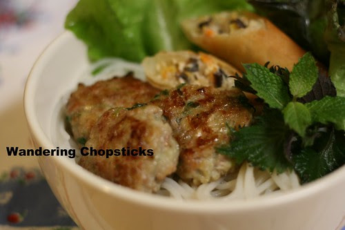 Bun Nem Nuong Cha Gio (Vietnamese Rice Vermicelli Noodles with Grill Pork Patties and Egg Rolls) 3