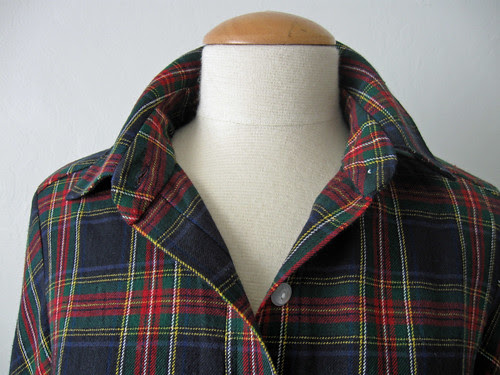 Plaid shirt collar