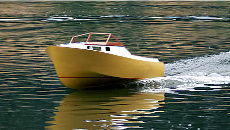 23' Wooden Shoe radio controlled model powerboat