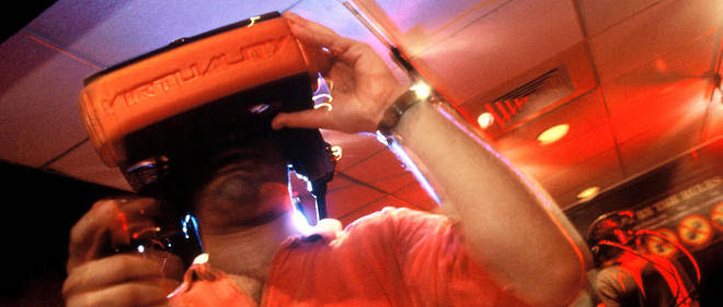 Il est bien plus simple, pour un psychiatre, d'utiliser un dispositif de réalité virtuelle plutôt que d'accompagner son patient dans un grenier rempli d'araignées ou dans une rame de métro bondée. Image d'illustration.
