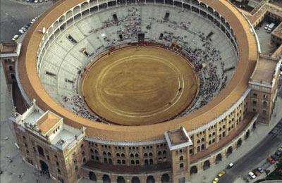 Vista aérea de la plaza de toros de Las Ventas. EFE