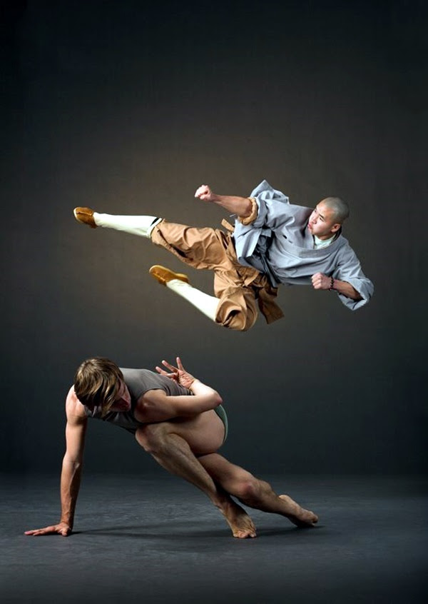 Shaolin KungFu Monks Photographed at Lines Ballet Studio Photography by Marty Sohl 22 Nov 2006