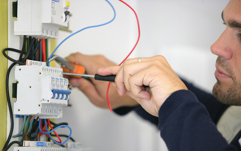 Emergency 24/7 Professional Electrician