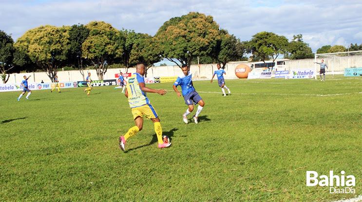 Itabela chegou a se impor nos primeiros minutos de jogo. (Foto: Clérison de Oliveira)