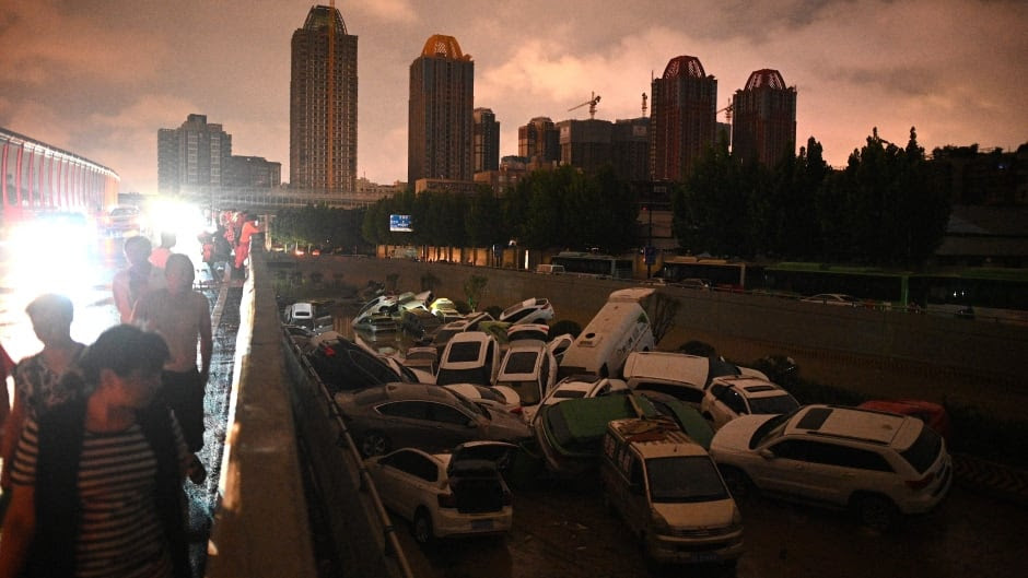 Cleanup begins in flood-ravaged Chinese city of Zhengzhou