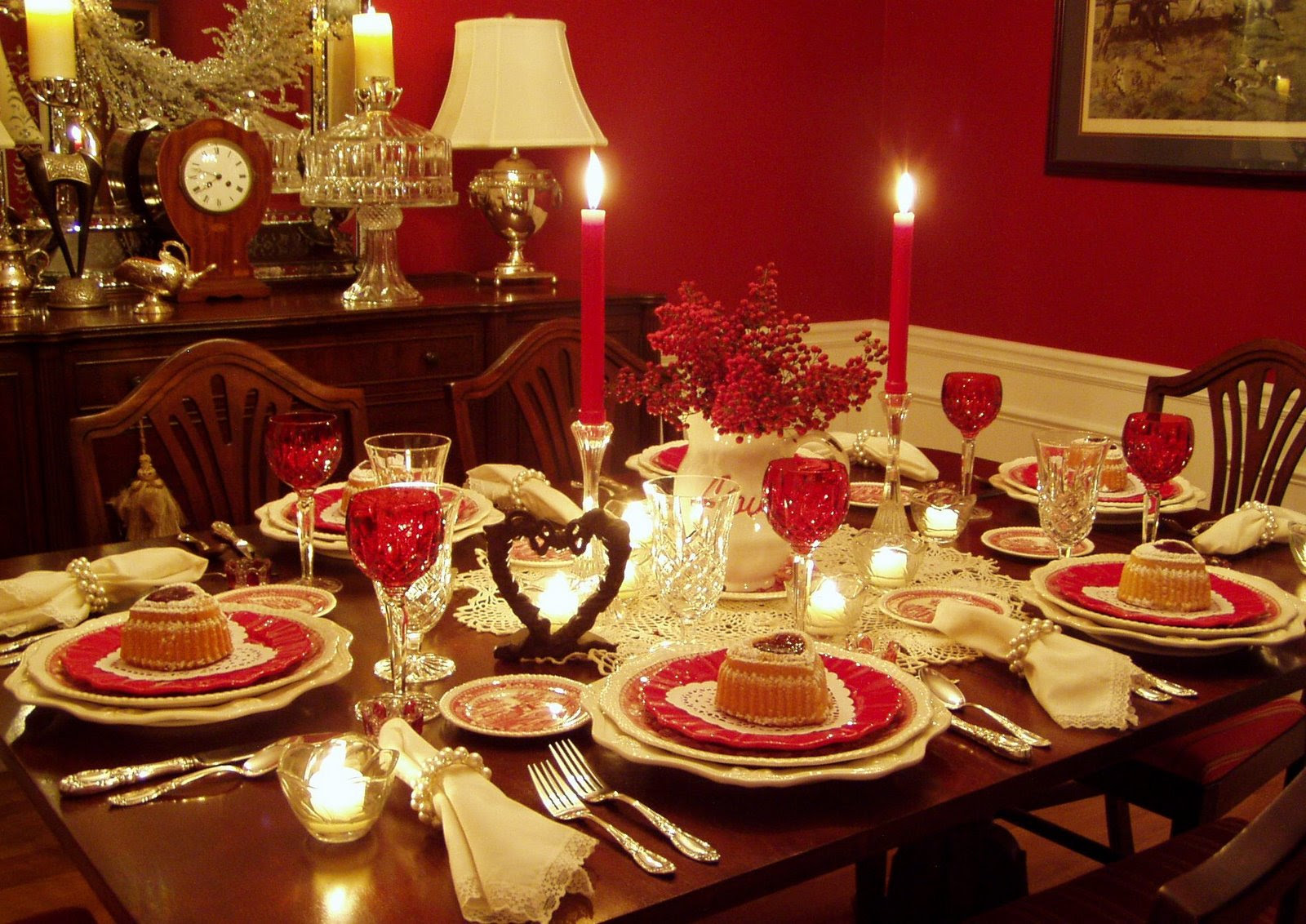 Valentine's Day Table Setting Tablescape with Raspberry ...