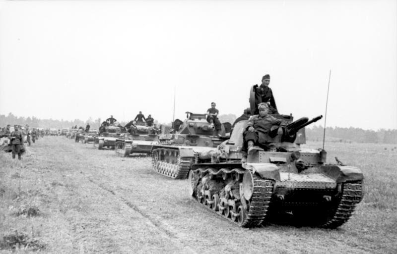 File:Bundesarchiv Bild 101I-769-0236-23, Frankreich, Panzer 35t und Panzer IV.jpg