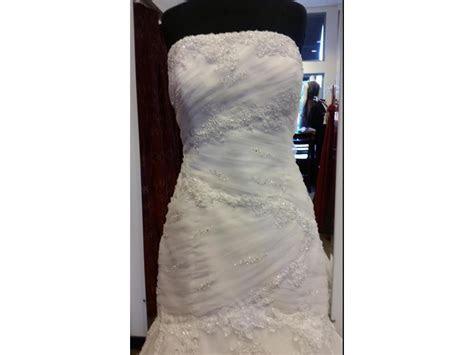 Alfred Angelo 2083, $734 Size: 12   Sample Wedding Dresses