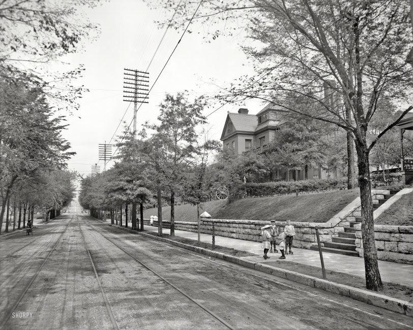 Street Gang: 1907