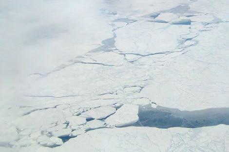 Imagen de archivo de grietas en el Ártico. | NASA/JPL-Caltech