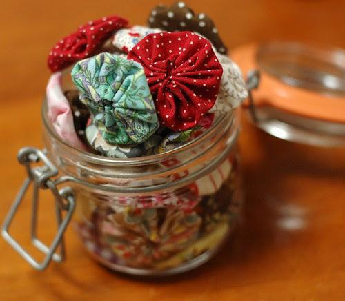 Yo-yo in a jar