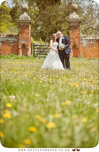 Quirky Wedding photography, Suffolk Barn - www.helloromance.co.uk