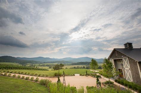 Pippin Hill Farm Wedding by Photographer Aaron Watson