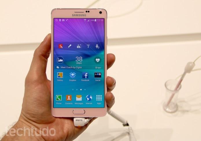 Galaxy Note 4 tem tela com resolução QHD e configurações avançadas (Foto: Foto: Fabrício Vitorino/TechTudo)