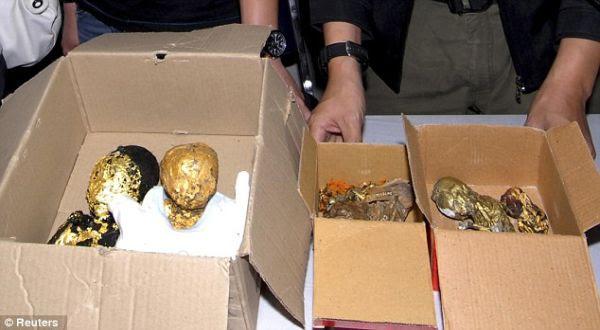 Foto : Janin emas di Thailand (reuters)