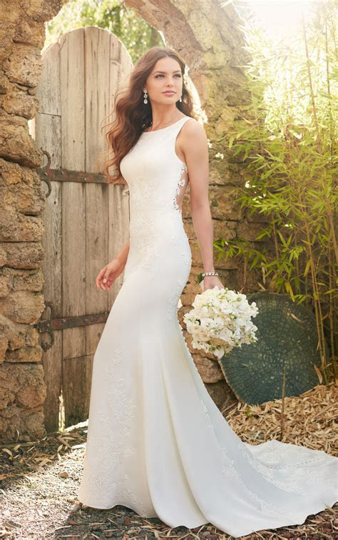 Simple Classic Lace Wedding Dress   Essense of Australia