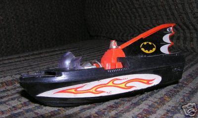 batman_batboat_corgiloose