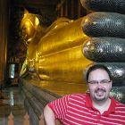 Darren at Wat Po - the reclining Buddha