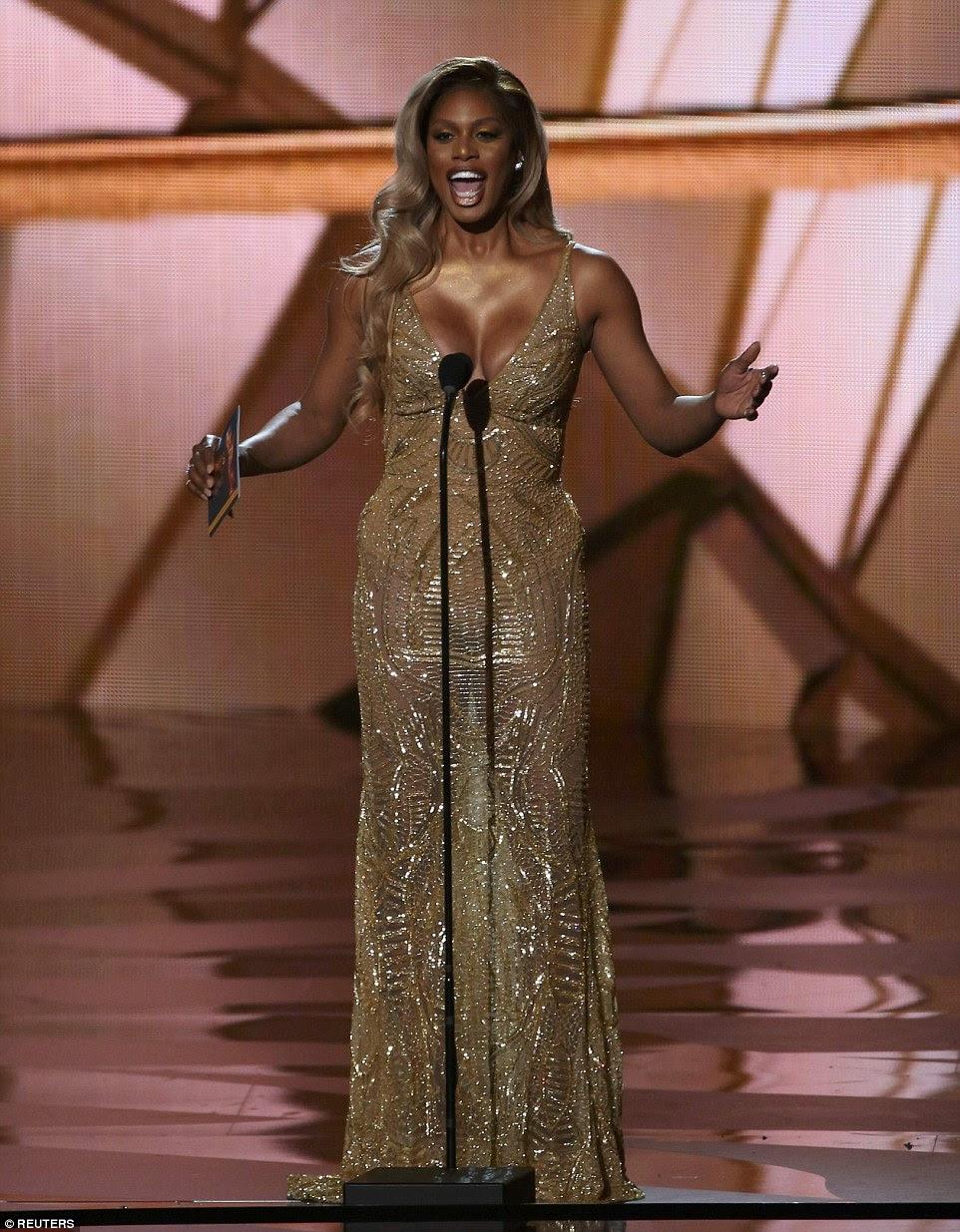 Cintilante: Laverne Cox foi um dos apresentadores estrela