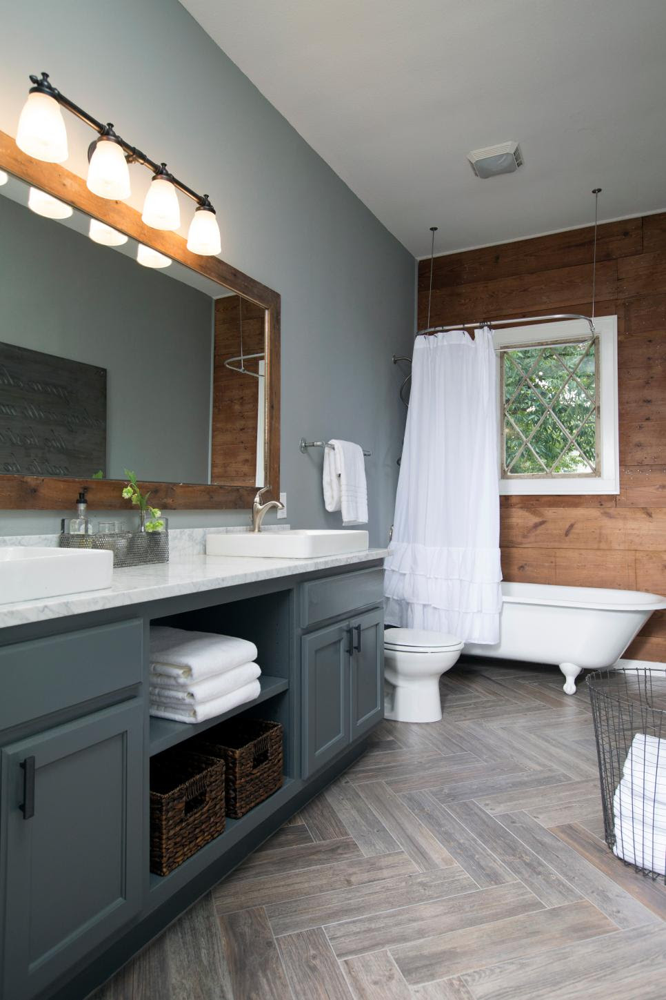 Top 10 Fixer Upper Bathrooms - Daily Dose of Style