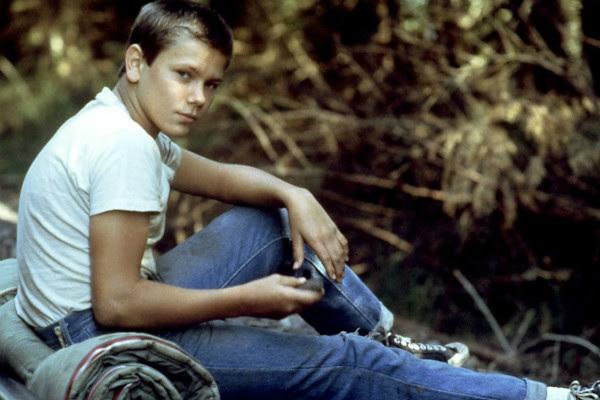 River Phoenix (1970-1993): Um dos quatro garotos do clássico 'Conta Comigo', intérprete do jovem Indiana Jones em 'Indiana Jones e a Última Cruzada' e irmão de Joaquin Phoenix, River também morreu de overdose, aos 23 anos. (Foto: Divulgação)