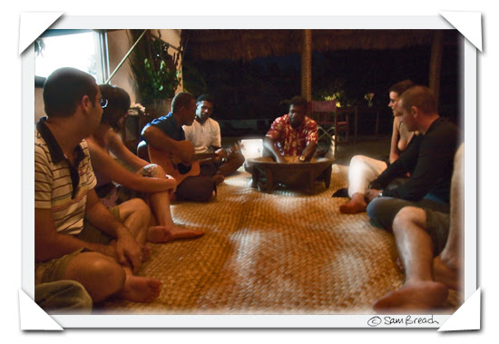 picture photograph image kava ceremony on christmas day 2007 at Navutu Stars resort on the island of Yaqeta in the Yasawas 2008 copyright of sam breach http://becksposhnosh.blogspot.com/