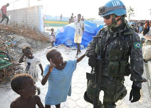 Vítimas de cólera no Haiti querem levar a ONU a tribunal