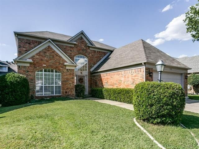 124 Browning Ln, Grand Prairie, TX 75052  Home For Sale and Real Estate Listing  realtor.com®