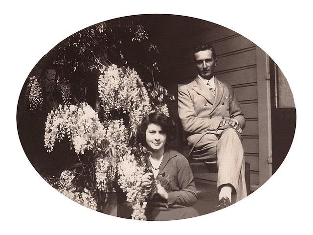 Violet & Andrew Bronte St oval