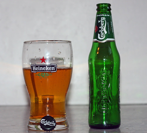 Review: Carlsberg Lager by Cody La Bière