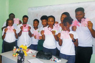 加勒比海的聖文森,學生熱情,不少人更已來到台灣學習中文。(蕭安惠提供)