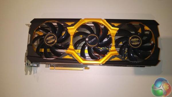 Sapphire Radeon R9 290X TOXIC (1)