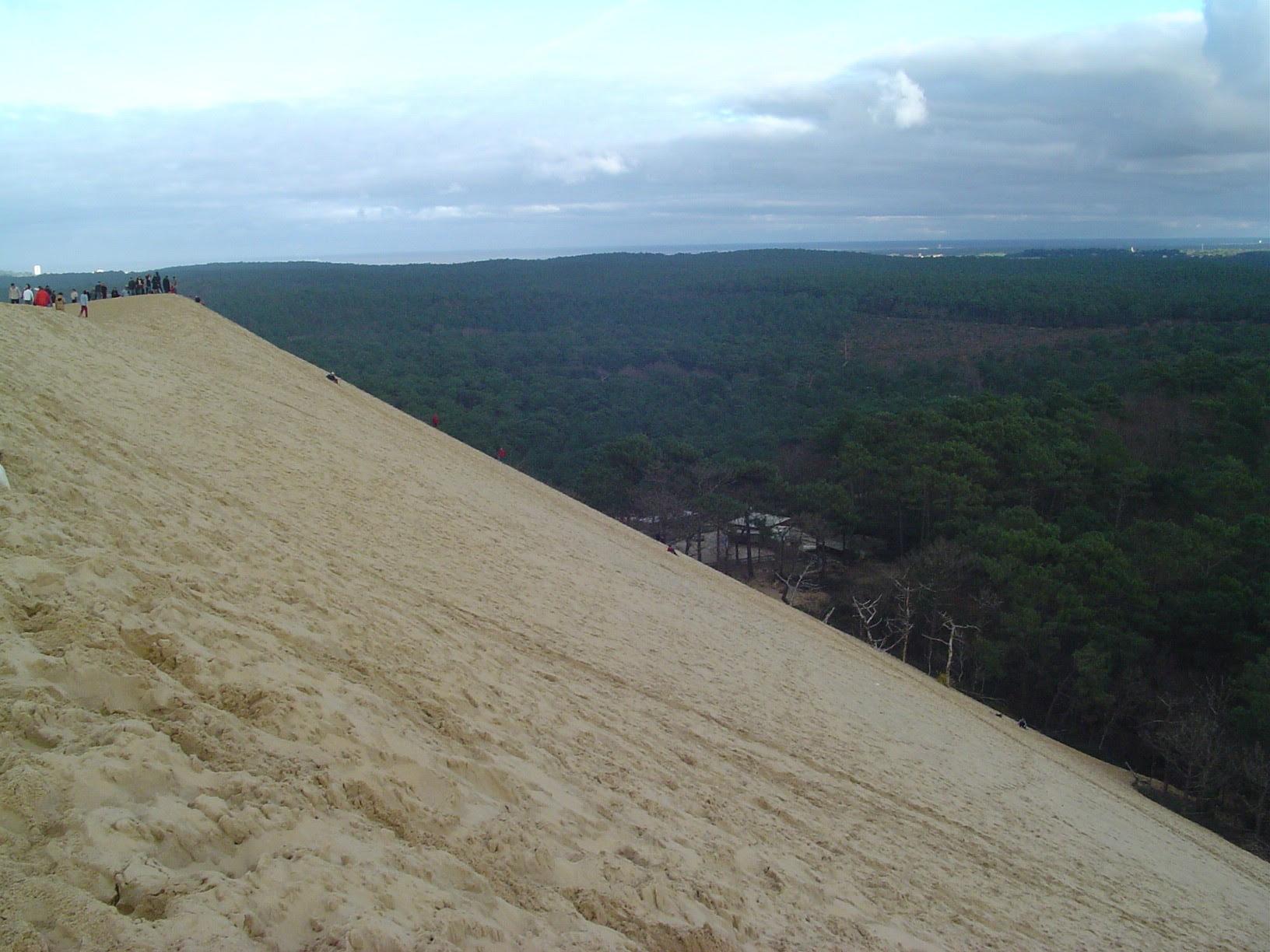 Jc1cN Dune de Pyla   A new Sahara desert being born   in France! [30 pics]