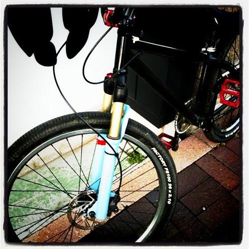 晴れたし折角なんで自転車で納品行ったら疲れた。