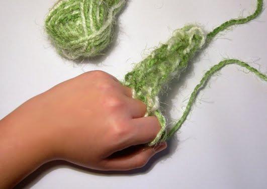 dedos Edukame Enseñando a los niños a tejer sin agujas
