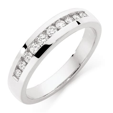 Men's Wedding Band with 1/2 Carat TW of Diamonds in 10kt