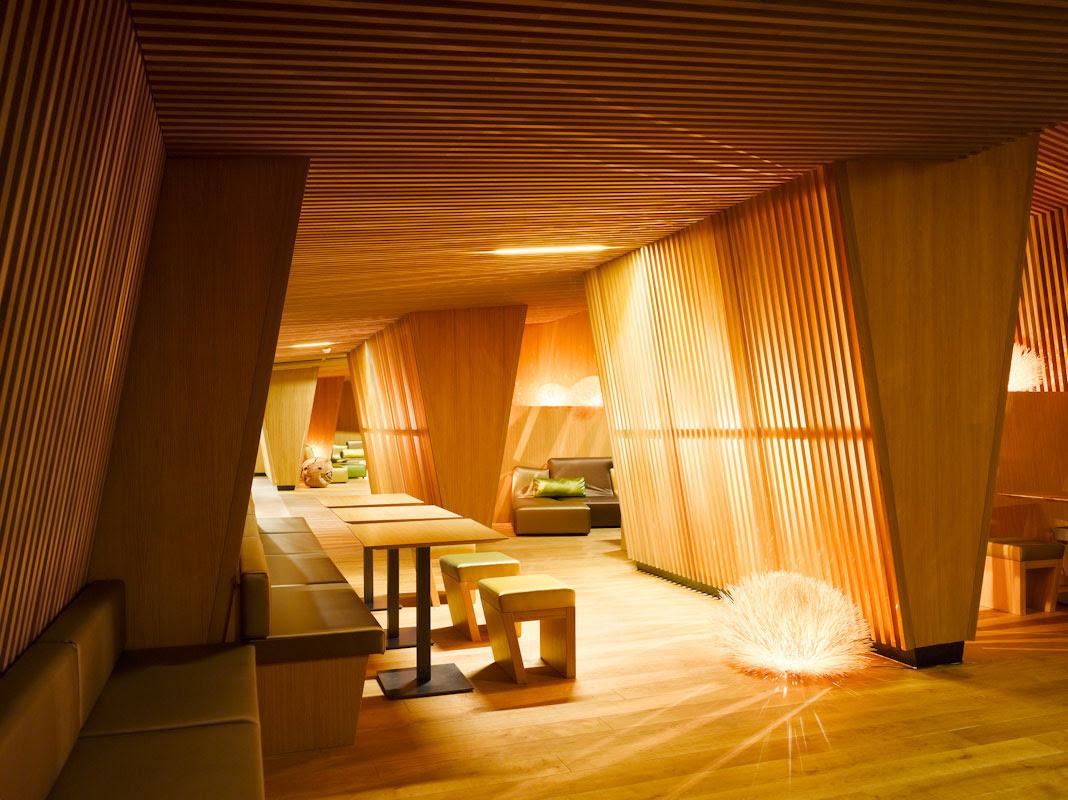B2 Boutique Hotel by Althammer Hochuli Architekten Architecture Design - Fernweh Bar Zurich Airport