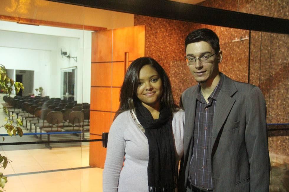 Jennifer Oliveira e João Lucas, estudantes