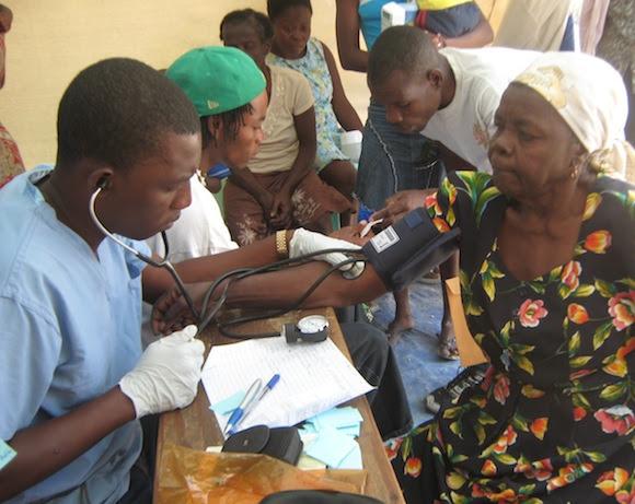 Médico cubano en Haití