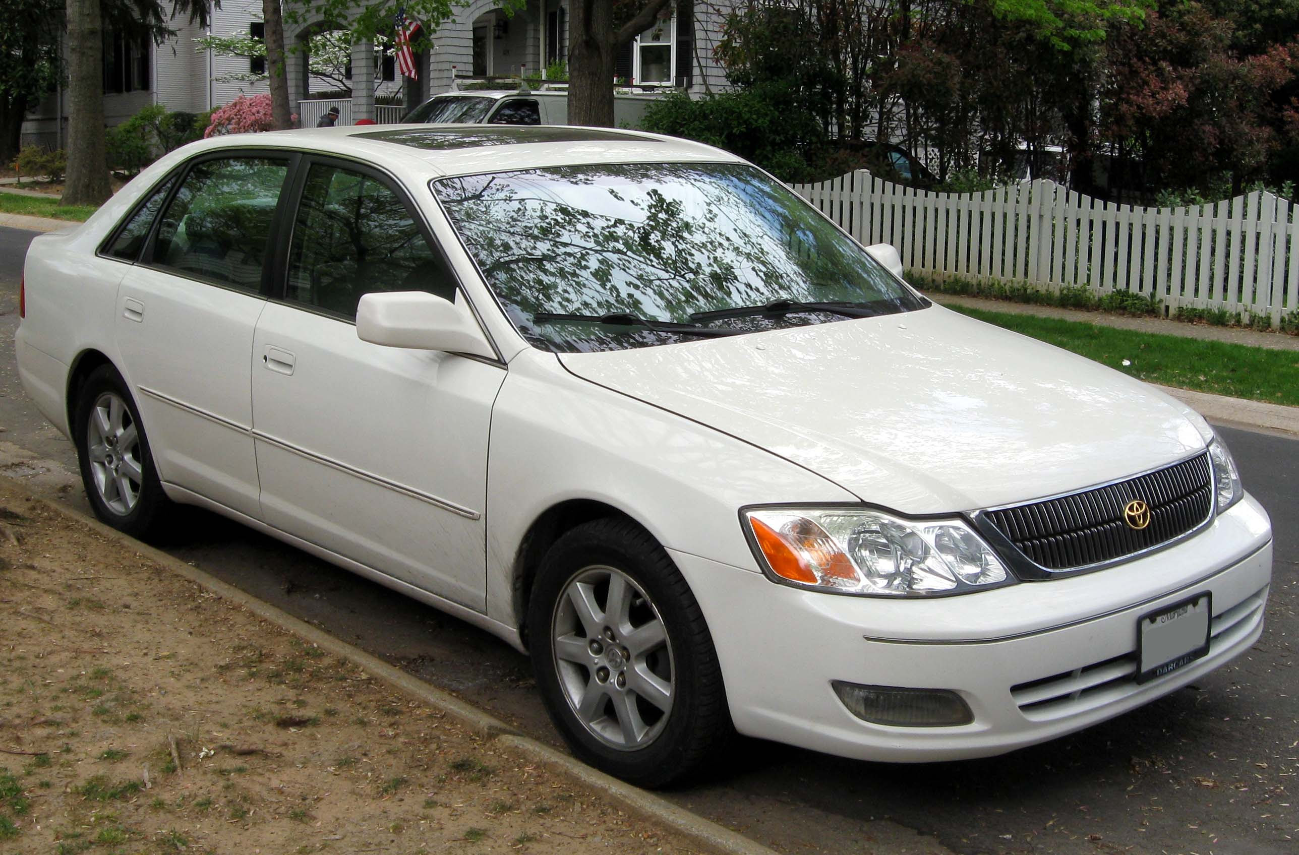 Description 2000-2002 Toyota Avalon -- 04-11-2012 1.JPG
