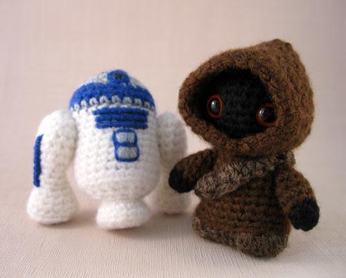 Jawa and R2-D2