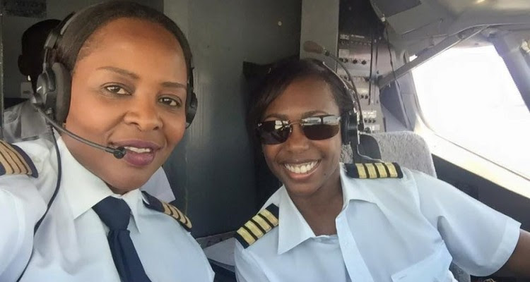 Air Zimbabwe Cockpit feminino_01 900px
