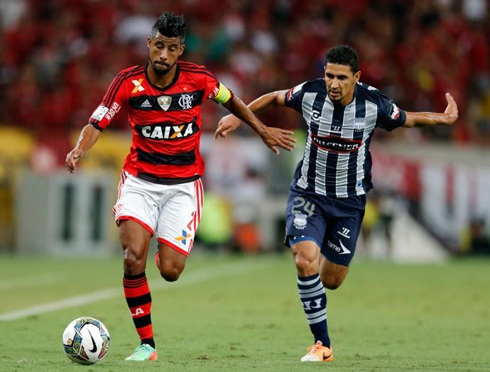 Leo Moura, Flamengo x Emelec (Foto: Reuters)