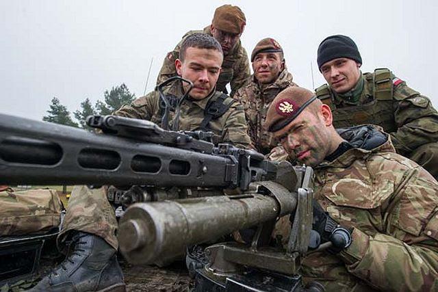 Reino Unido reforzará los juegos de guerra de la OTAN en Europa del Este con otras 1.000 tropas como la alianza intenta montar una demostración de fuerza en la región para hacer frente a la agresión rusa. Las tropas adicionales permitirán a las fuerzas británicas para seguir participando en ejercicios en la región como la alianza intenta tranquilizar a sus socios orientales.