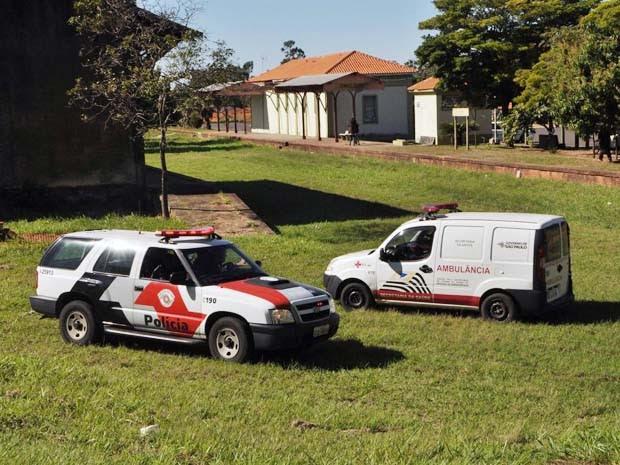 Polícia Militar foi acionada por populares na manhã desta segunda-feira (13) (Foto: Corpo de Bombeiros/Cedida)