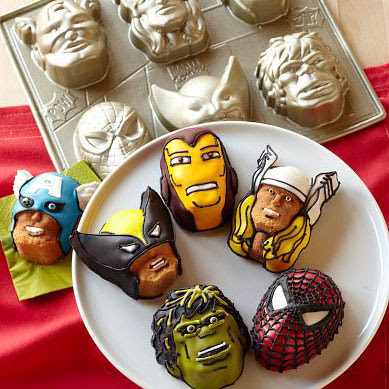http://media4.popsugar-assets.com/files/2011/08/31/4/192/1922507/abb5afdd223813ec_SquareCakes/i/Marvel-Comic-Book-Cookie-Cutter-Baking-Kits.jpg