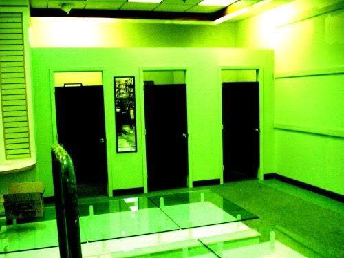 Dealers Room dressing rooms