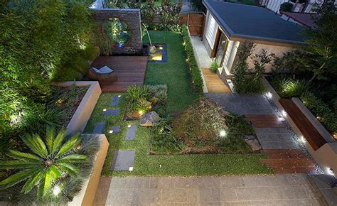 modern  contemporary courtyard gardens   city